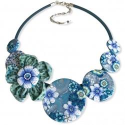 Collier court fleurs bleu...