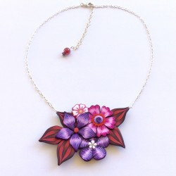 Collier court fleuri en...