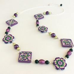 Sautoir fleuri, violet et...